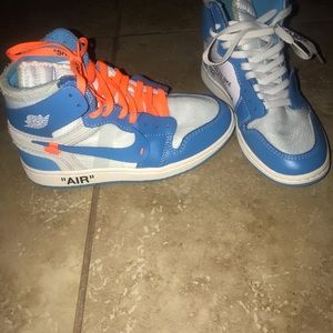 Off White Retro 1 Jordan Unc size 6.5 Women